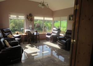 Sitting-Room-700x500
